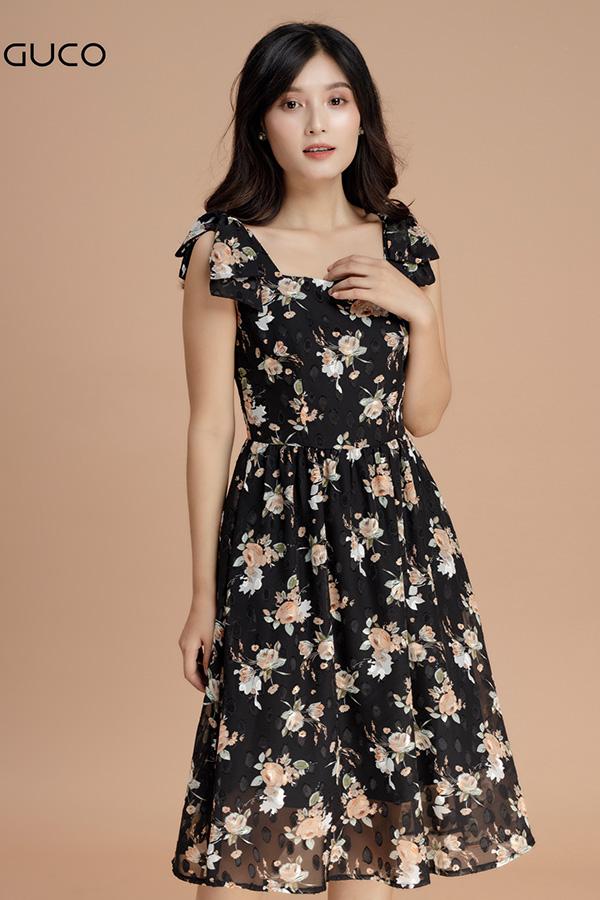 Đầm xòe hoa cột nơ vai 1610 màu đen