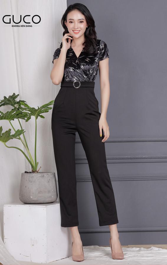 Jumpsuit in logo Chanel kèm belt 1715 màu đen năng động