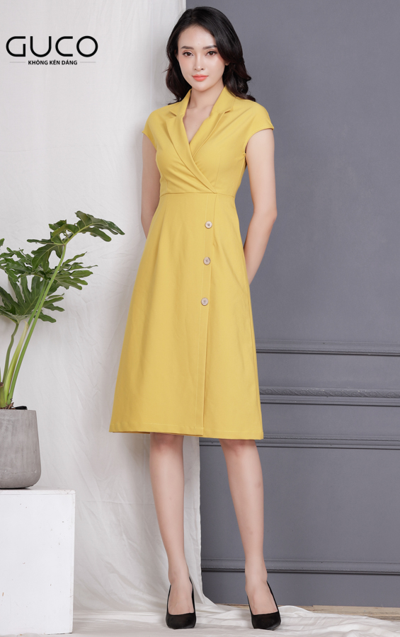 Tổng hợp các mẫu đầm công sở tháng 8 chuẩn girl của GUCO