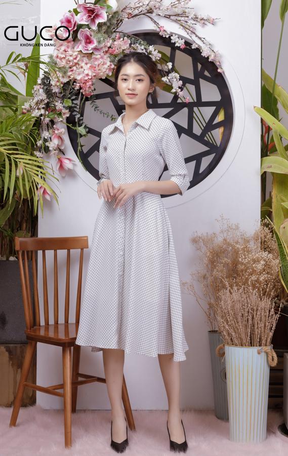 Đầm xèo caro công sở 1767 màu trắng