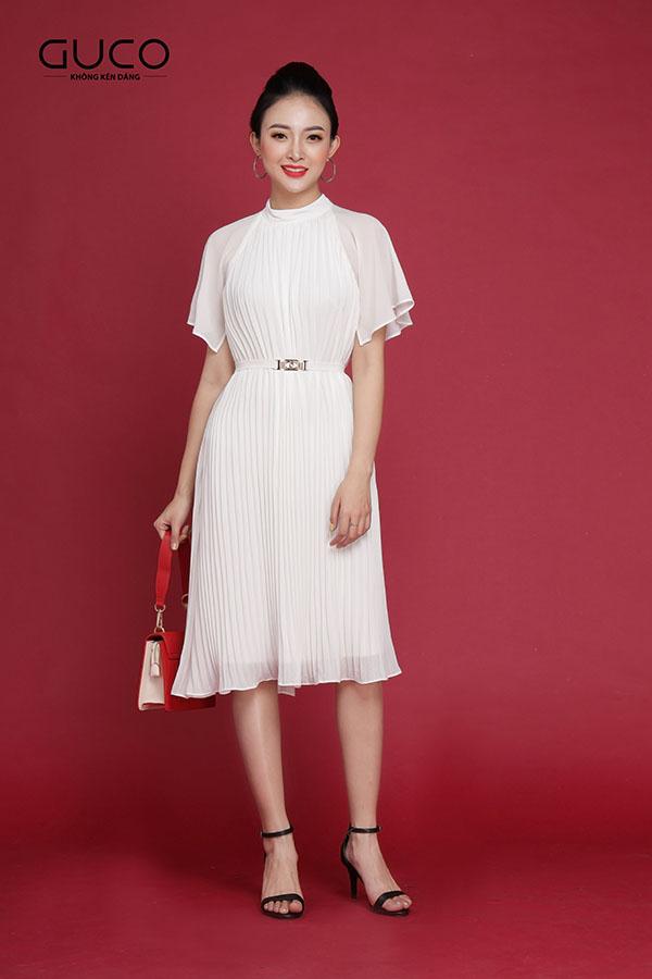 Đầm công sở màu trắng 1961 dáng suông